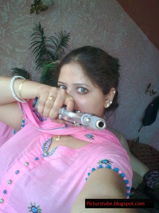 Beautiful Local Pakistani Girls Selfies Pictures