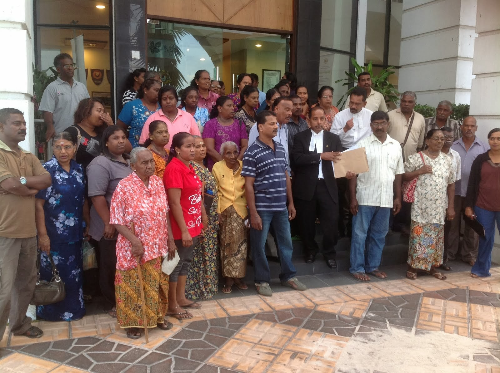 Discussions with Kg. Tai Lee Residents @ High Court, Ipoh
