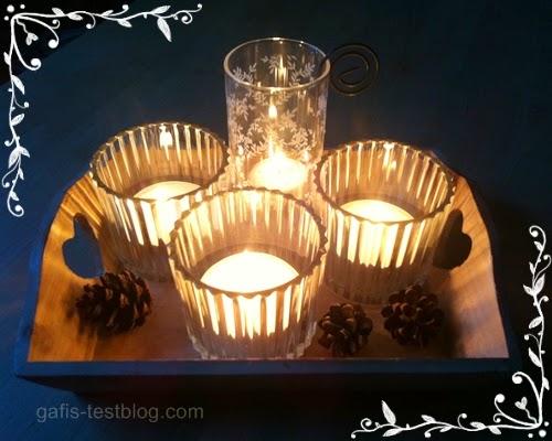 Teelichter mit Tannenzapfen
