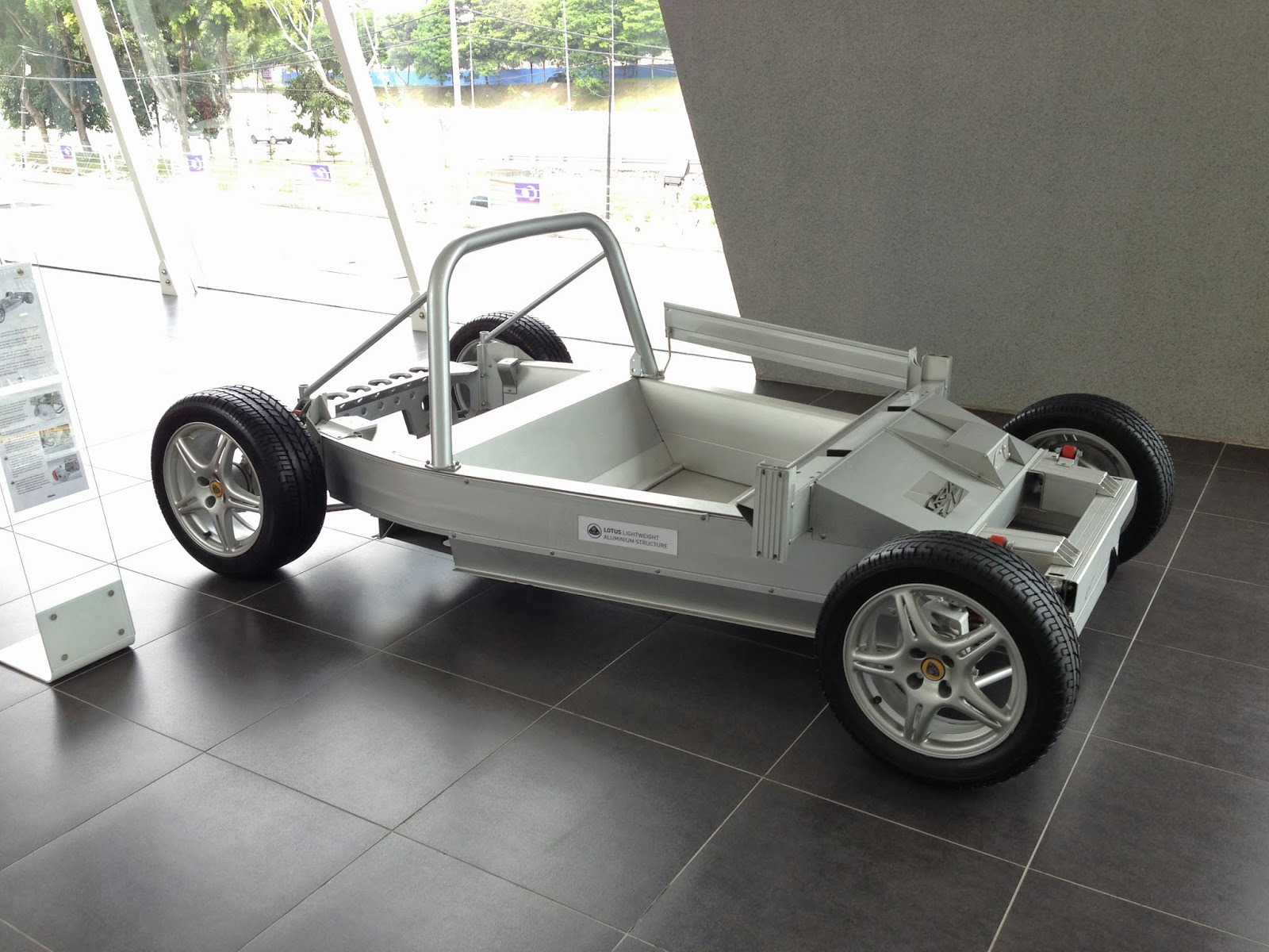 Lotus drive lotus malaysia showroom for Chassis aluminium