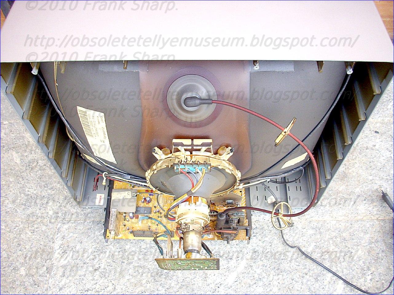 Obsolete Technology Tellye !: PANASONIC TX-25CK1C/M CHASSIS Z8 ...