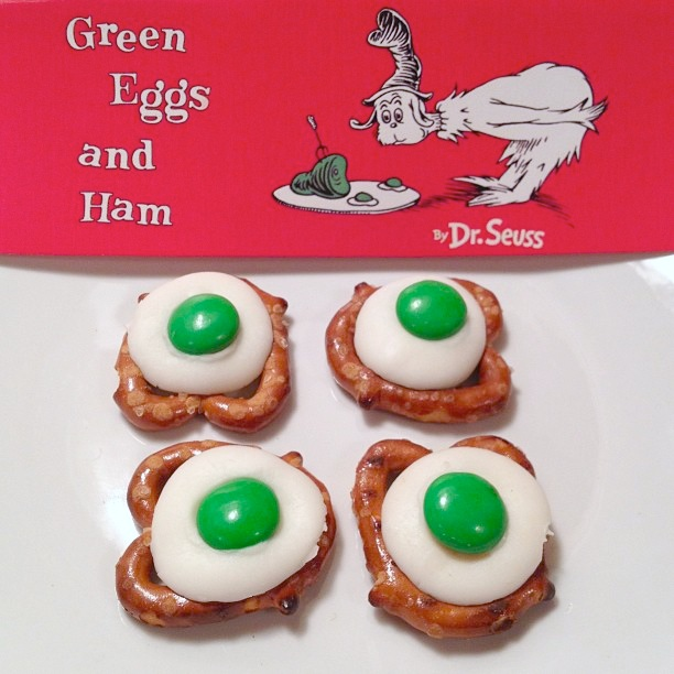 The Moody Fashionista: Green Eggs and Ham!