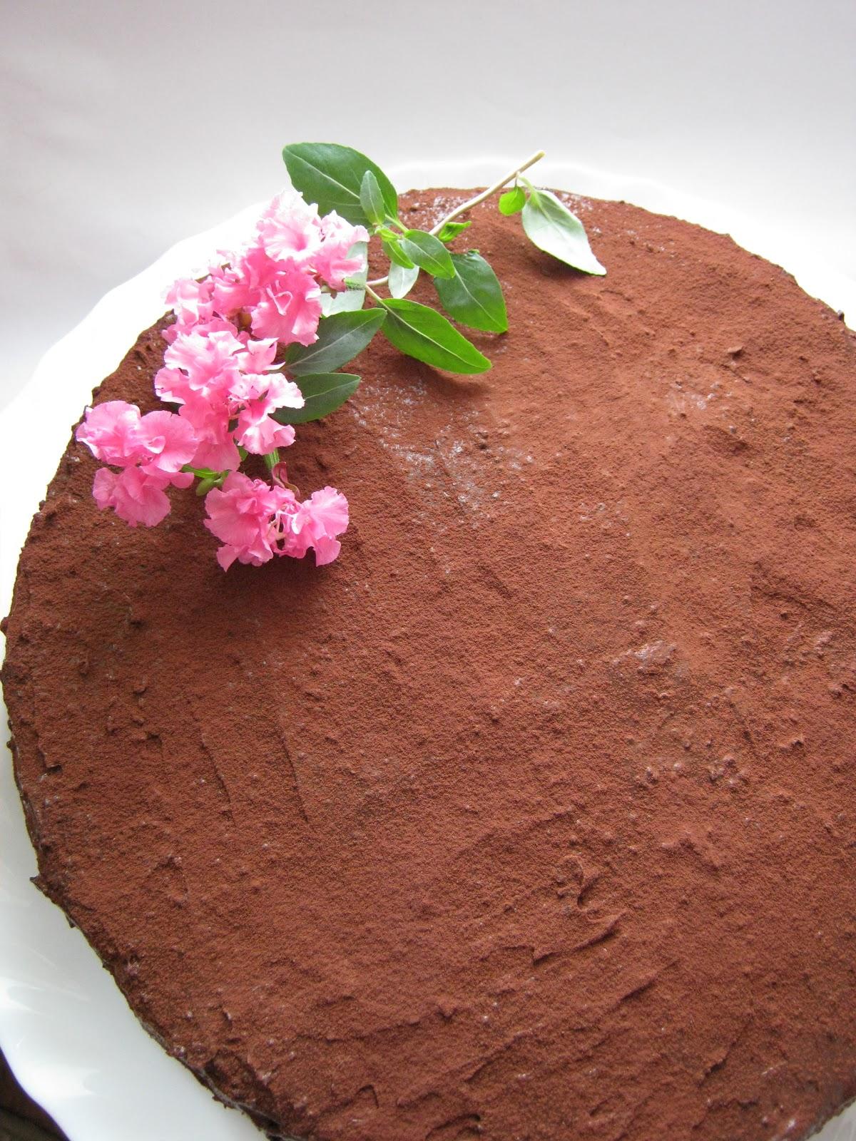 Торт из готовых коржей с вишней рецепт