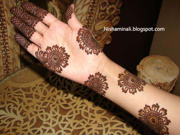 Mehndi Designs For Feet And Hands : Latest bridal feet and hand mehndi designs artistica