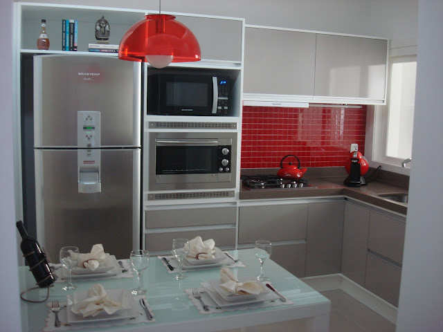 Meu Palácio de 64m² Cozinha Pequena # Cozinha Planejada Pequena Com Vermelho