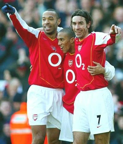 ... foi o time do Arsenal Campeão da Premier League invicto em 2003 2004 ff7d58a2fab1d