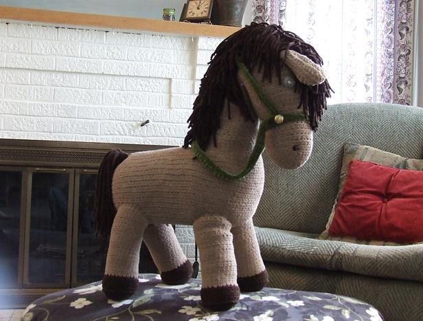 Perfect Pony free crochet toy patterns