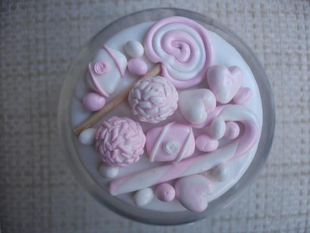 Doces, vidro grande decorado em biscuit (tampa)