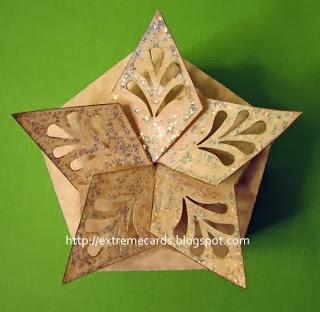 Caja con cierre en forma de estrella.