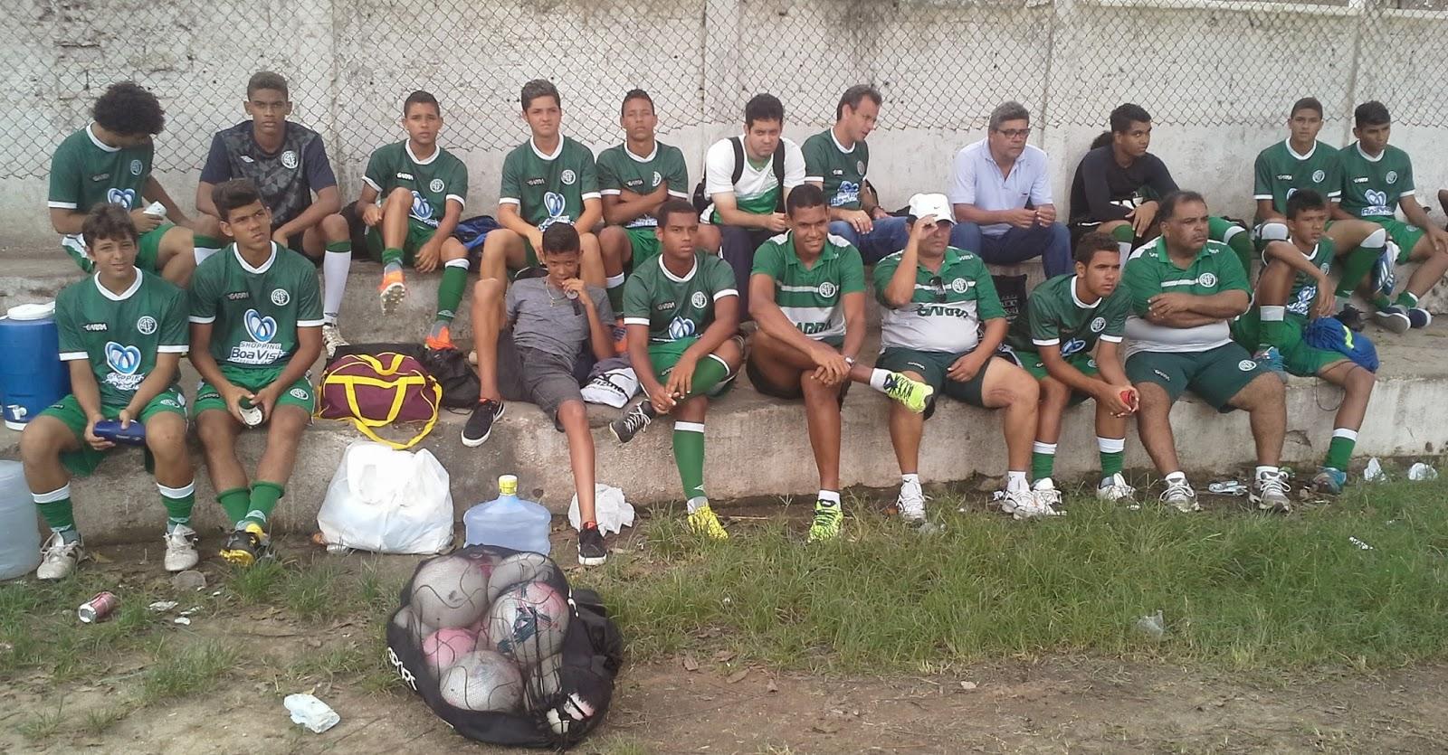 América e Acadêmica Vitoria, nas quartas de final da Copa Porto de Galinhas