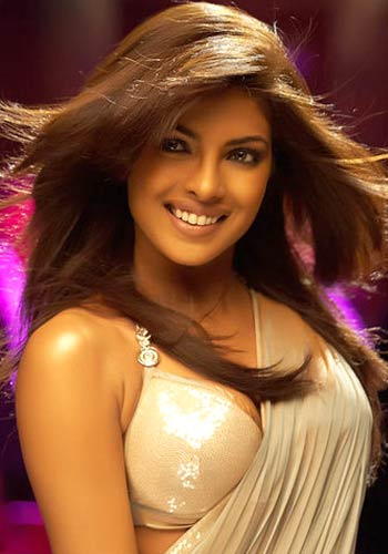 priyanka chopra hot in sharee