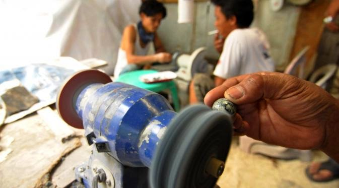 Batu akik Bacan Di Minati Oleh warga di Thailand