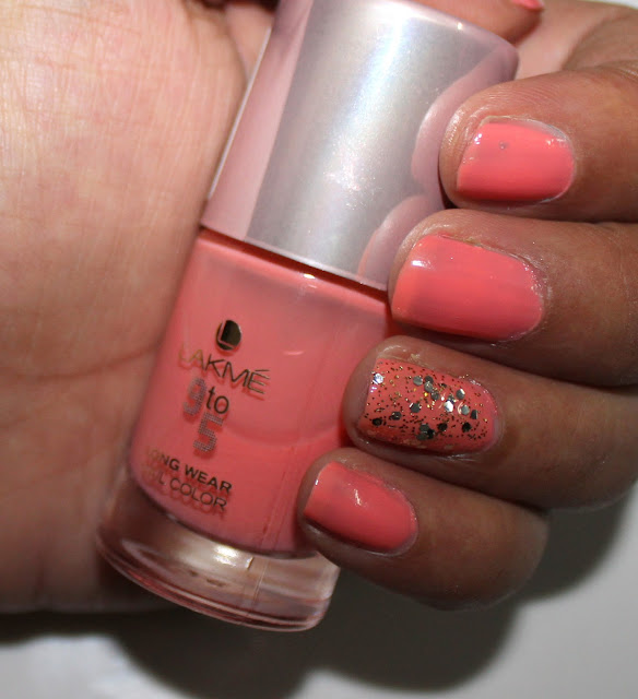 Lakme 9 to 5 Nail Color in Peach Promotion