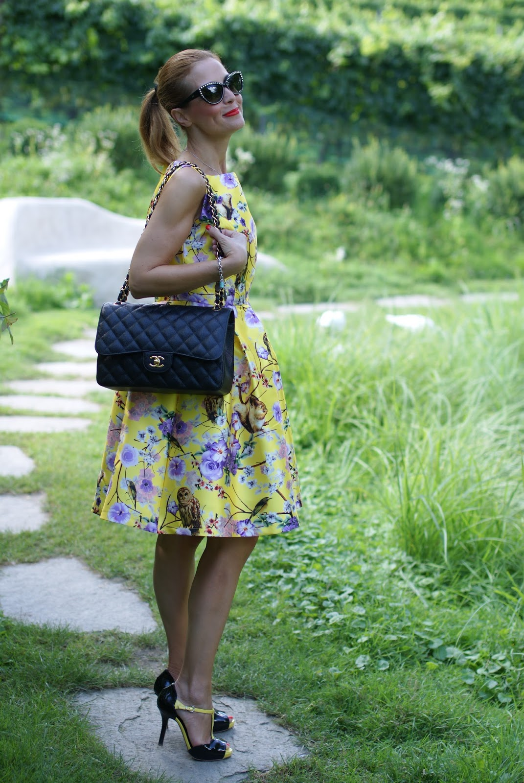 Zaful floral and owls print dress with Chanel classic flap bag and Sergio Levantesi heels and fashionable ducks on Fashion and Cookies fashion blog