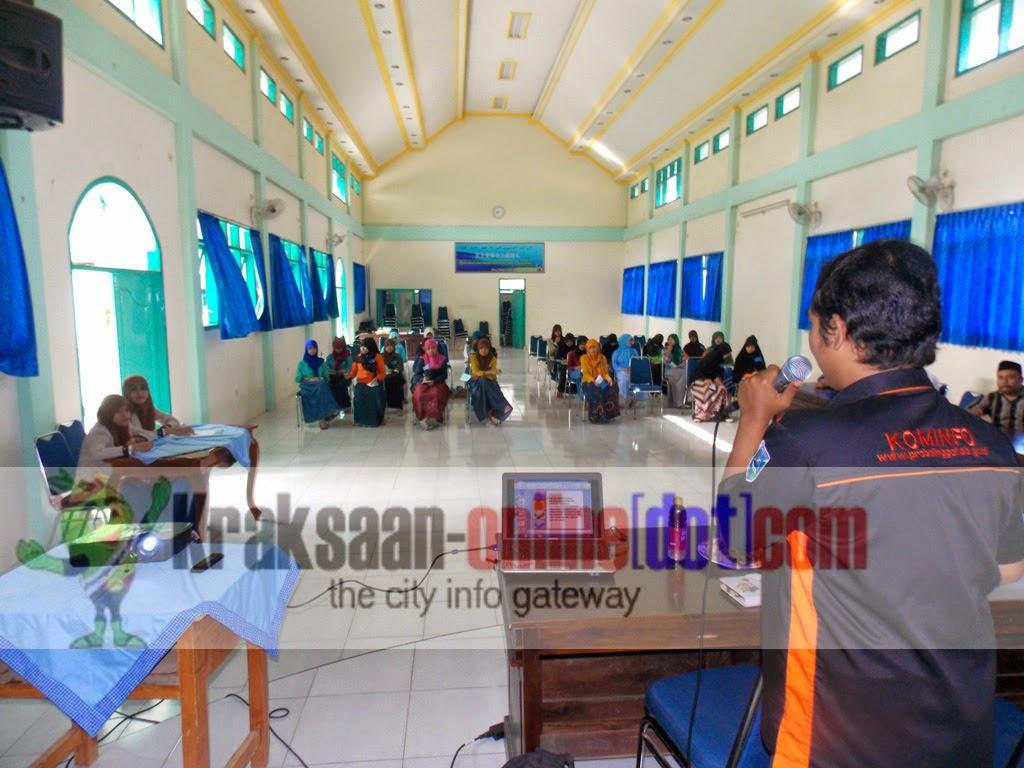 SMA Nurul Jadid Paiton di Latih Broadcasting