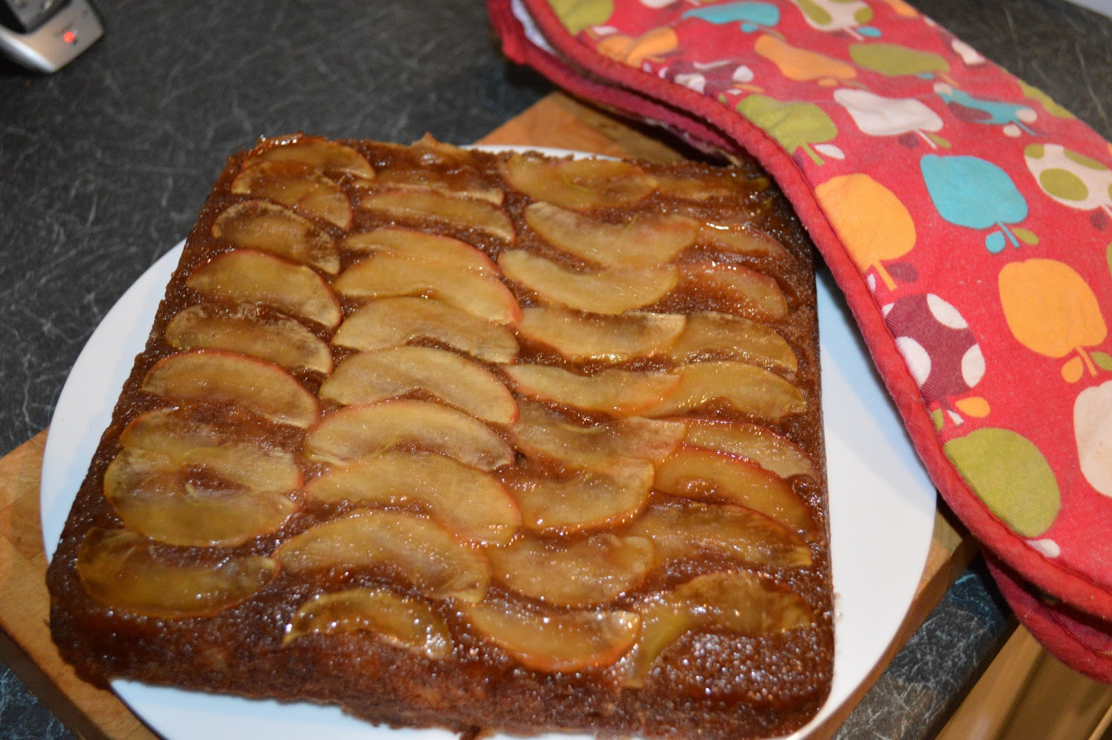 My Little English Kitchen: Upside-Down Toffee Apple Brownies
