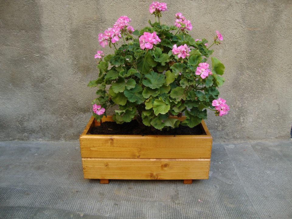 Jardineras maceteros huertos urbanos o mesas de cultivo - Jardineras para balcones ...