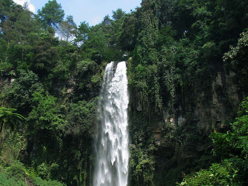 Tawangmangu Indonesia  city photos gallery : Backpackers Guidance: Tawangmangu Waterfall Indonesia