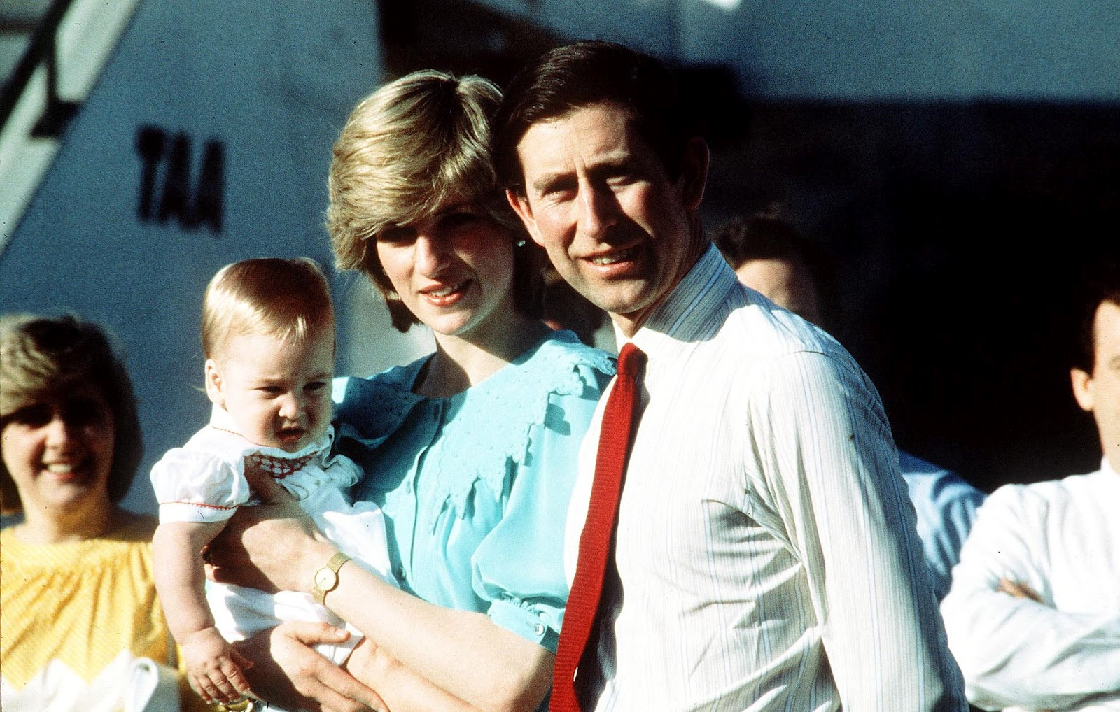 http://2.bp.blogspot.com/-odpvy6AeXKc/UEAWMiAtyPI/AAAAAAAABAw/3OinaVh5yWk/s1600/Prince-Charles-Prince-of-Wales.jpg
