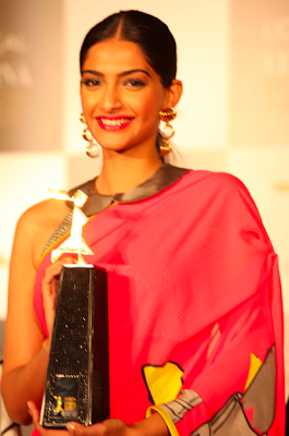 Sonam Kapoor at L'Oreal press conference