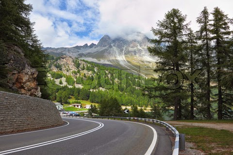 winding-and-dangerous-mountain-road-beautiful-nature-images