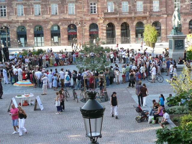 Ici place Kléber, Strasbourg 2008.  Merci à Vincent Hanrion pour la photo.