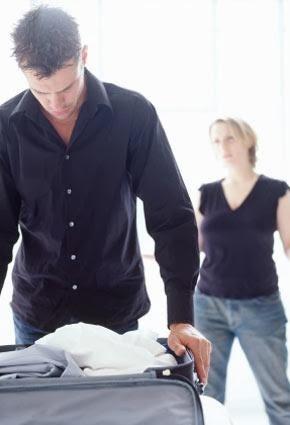 خمس علامات تشير إلى ضرورة تركك لزوجتك وإنفصالك عنها !!! - رجل يغادر يرحل - man leaving