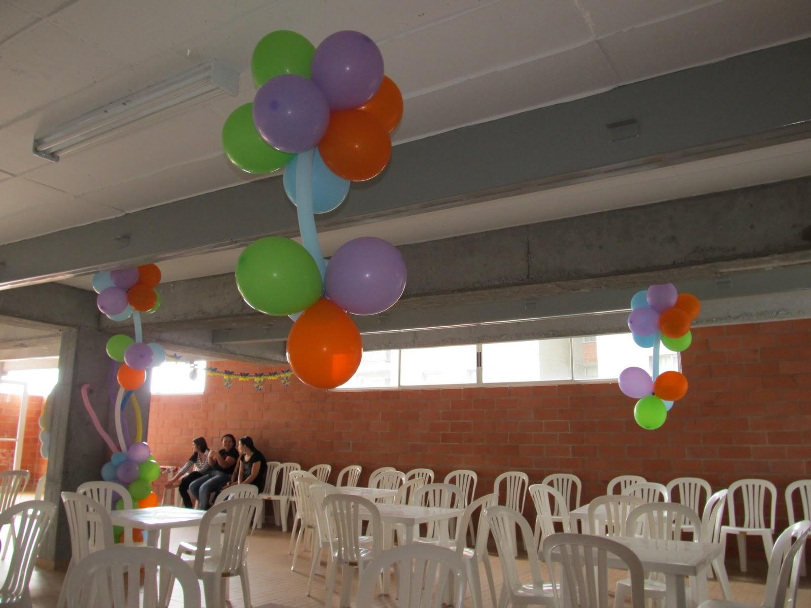 Decoracion con globos arcos bases y lamparas car - Decoracion con lamparas ...
