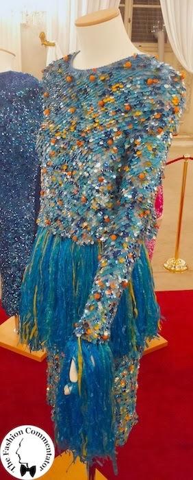 30 anni Galleria del Costume - abito paillettes rifinito in rafia Enrico Coveri AI 1990, dono Maison Enrico Coveri