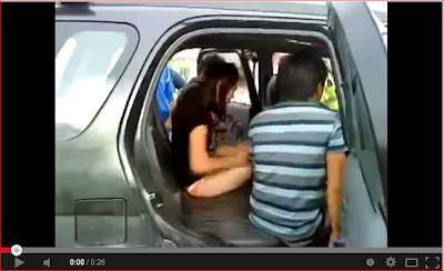 Video Pelajar IPTA Kantoi Buat Maksiat Dalam Kereta