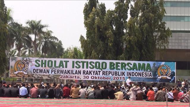 Politisi Senayan Sholat Istisqa, Berharap Allah Menurunkan Hujan