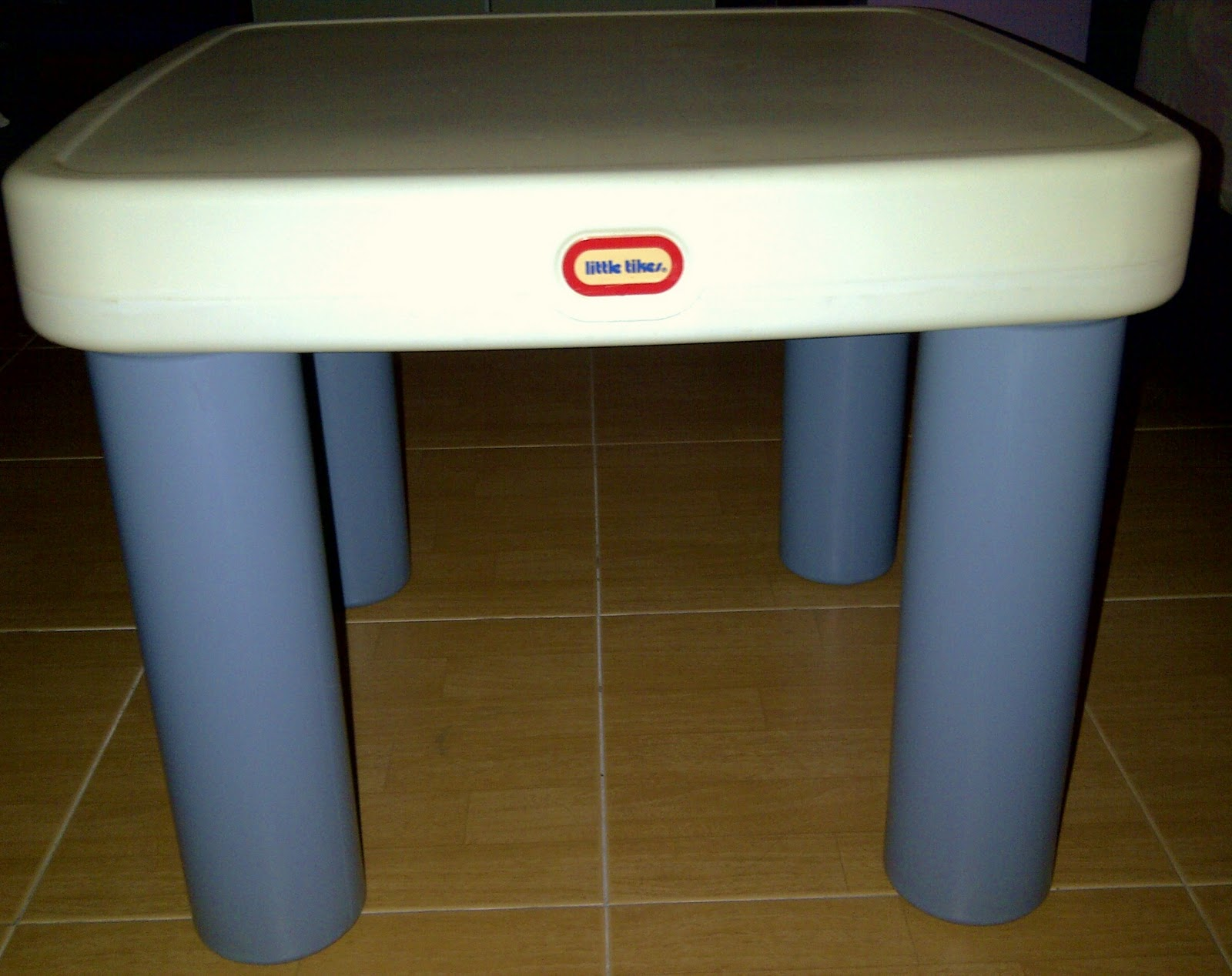 special toys shop little tikes table and chair. Black Bedroom Furniture Sets. Home Design Ideas