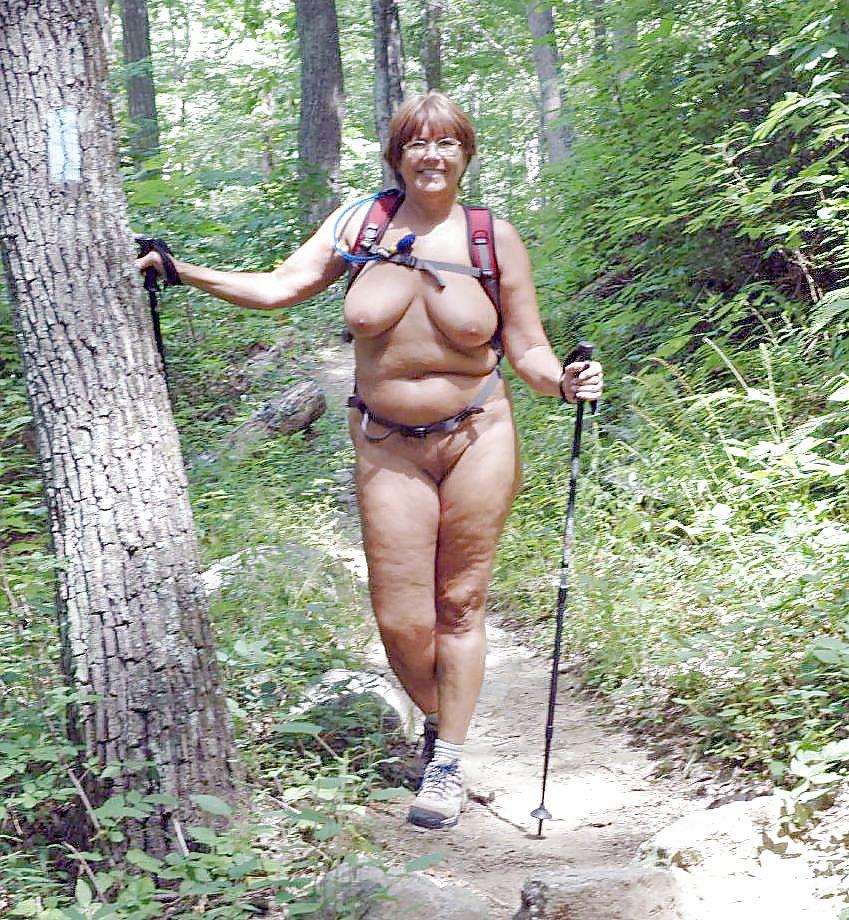Нудисты в лесу фото 85457 фотография
