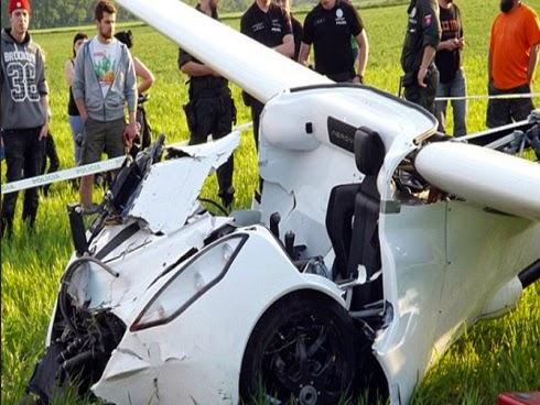 Kereta terbang terhempas ketika ujian