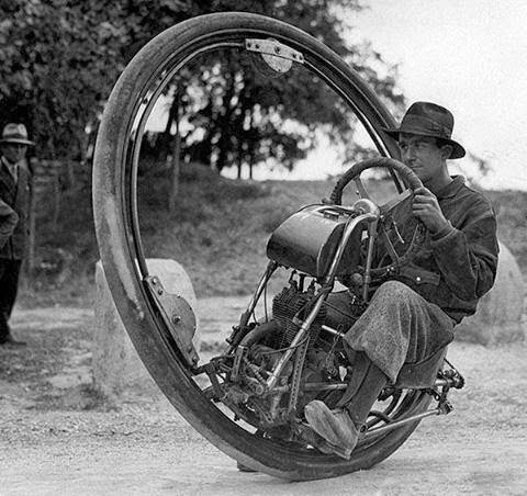 64 Historical Pictures you most likely haven't seen before. # 8 is a bit disturbing! - One wheel vehicle introduced by M. Goventosa de Udine , Italia. 1931