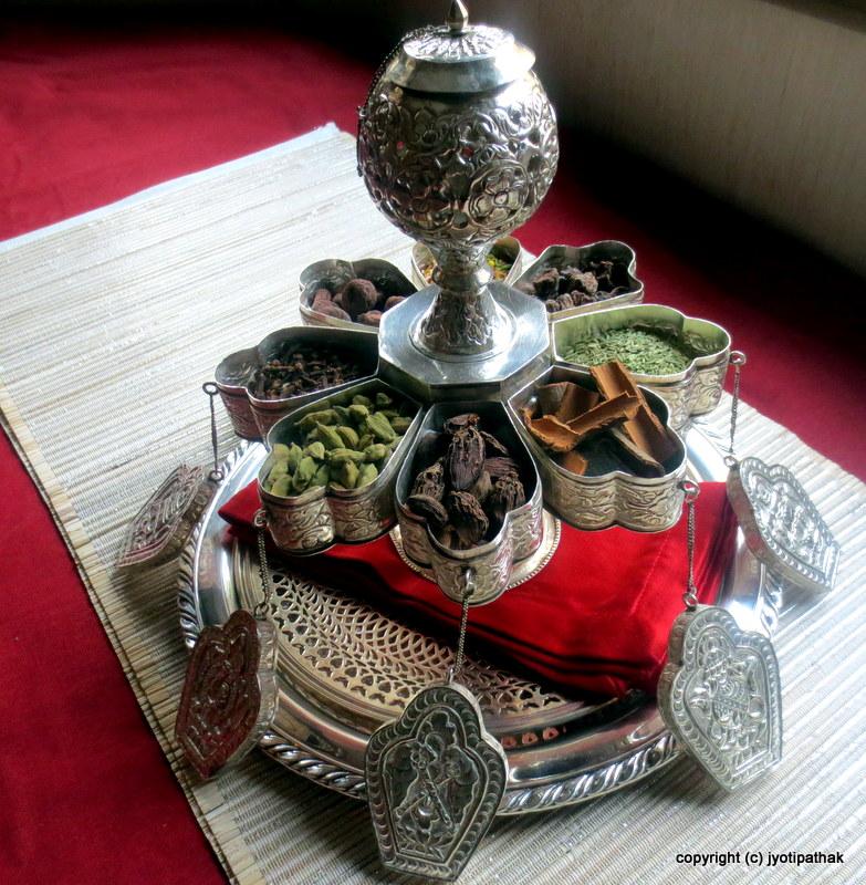 Taste of nepal nepali paan battaa for Home decor nepal
