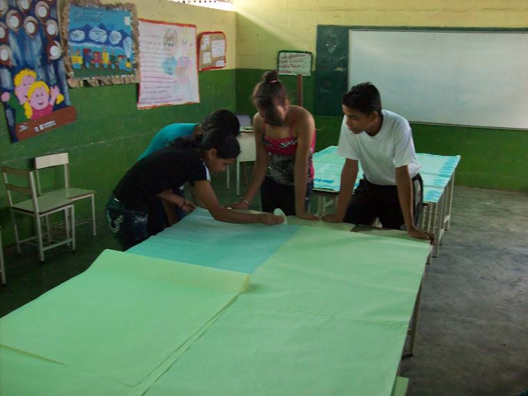 Preparativos para Festival de Periódicos Murales