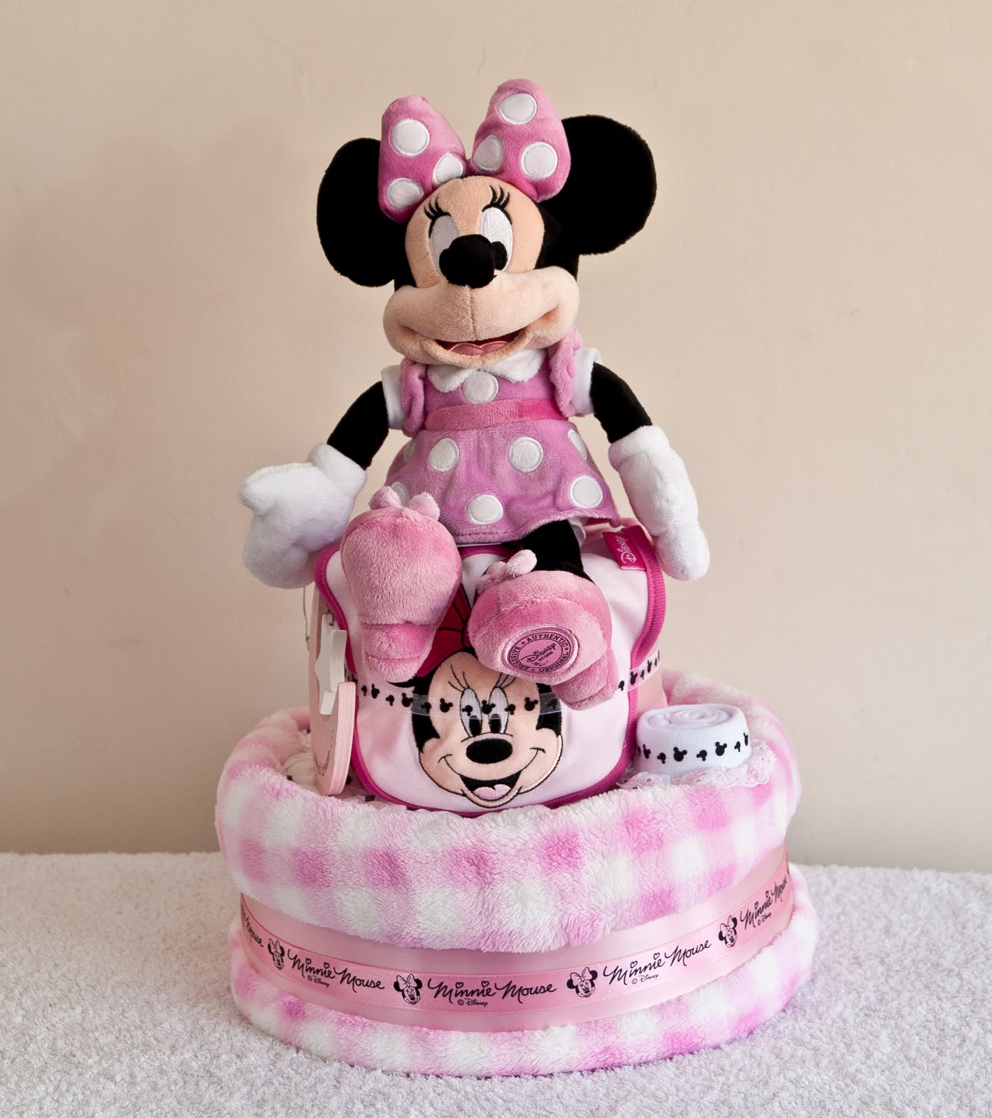 Droplets in a Rusty Bucket: Minnie Mouse Nappy Cake for ...