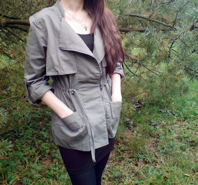 http://www.shein.com/Army-Green-Lapel-Drawstring-Waist-Outerwear-p-229365-cat-1735.html?utm_source=truskawkowakawa.blogspot.com&utm_medium=blogger&url_from=truskawkowakawa