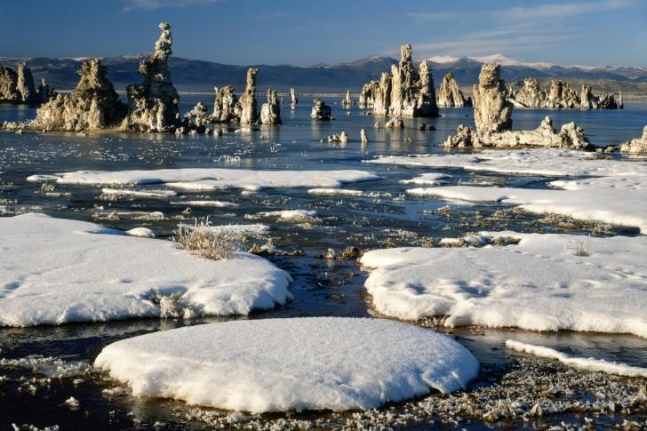 Travel trip journey mono lake california usa for Winter trip in usa