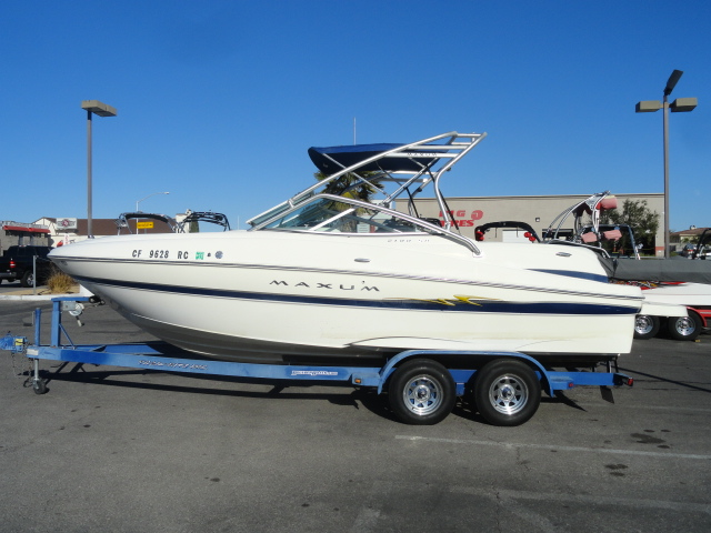 2004 Maxum 2100SD Sport Deck! Very versatile boat with unlimited ...