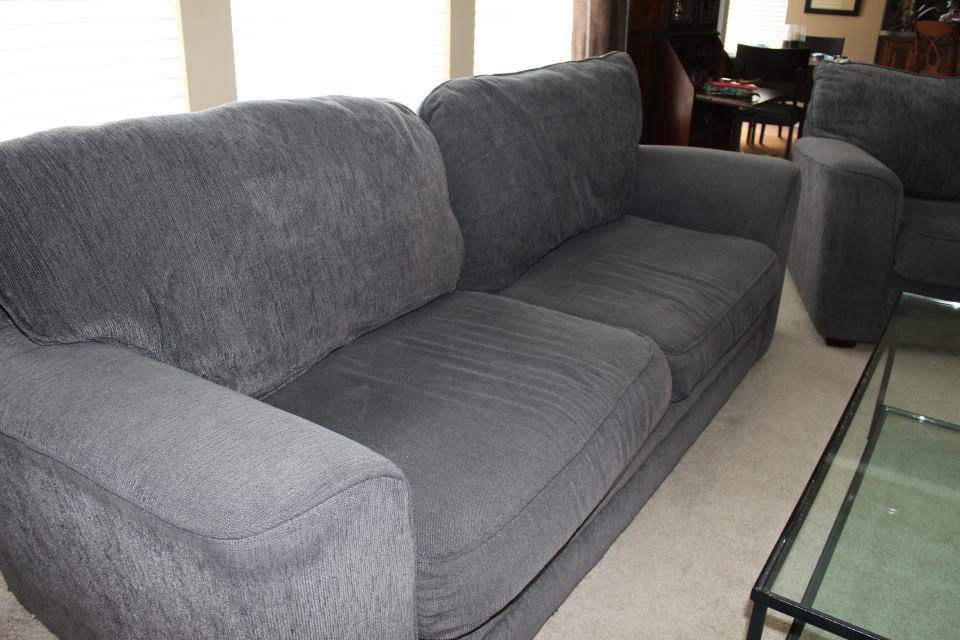 sell furniture on craigslist