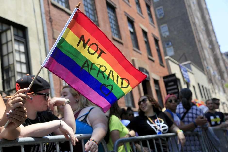 Estados Unidos: los jóvenes apoyan los derechos del colectivo LGBT, entre ellos la adopción