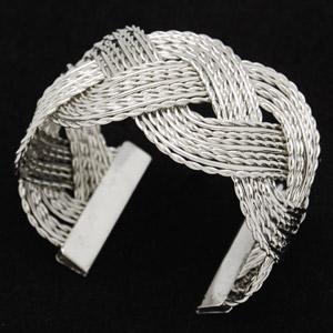wire+bracelet.jpg