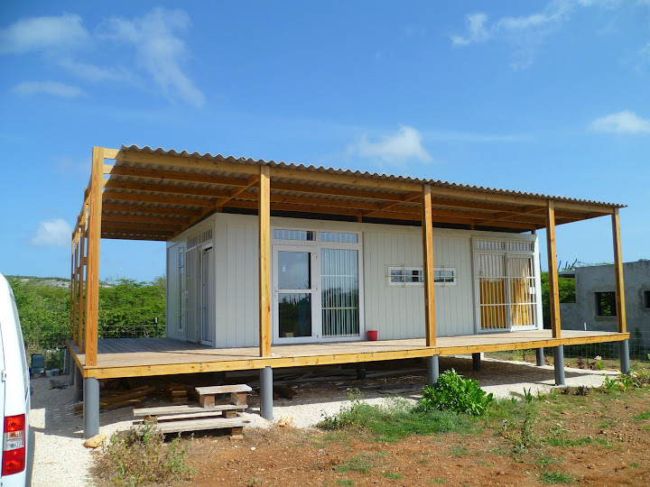 Shipping container homes criens trimo bonaire caribbean shipping container home - Cargo container homes ...