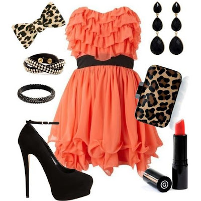VESTIDO DE COLOR CORAL CON ACCESORIOS ANIMAL PRINT