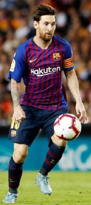 Messi llegó a su gol 700 pero el Barcelona no gana y cede terreno en la Liga