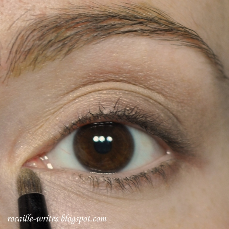Rocaille Writes: Rocaille Redes: Daytime Smokey for Almond ...