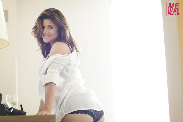 "Tiffani Thiessen – Esquire's ""Me In My Place"""