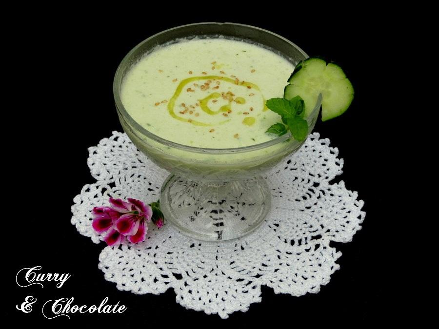 Chupitos de crema fría de pepino para el aperitivo - Chilled cucumber soup shots